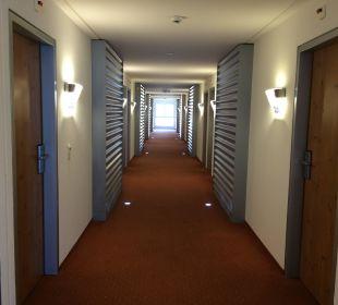 Gang zu den Zimmern 2 Etage Swiss Heidi Hotel