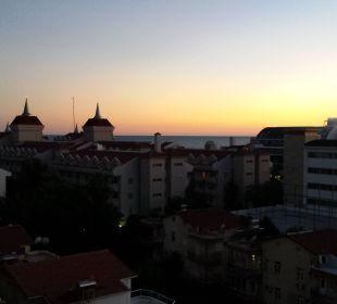 Von der Terrasse (Zimmer) am Abend Belek Beach Resort Hotel