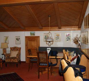 Rosensuite Wohnzimmer Hotel Sunneschlössli
