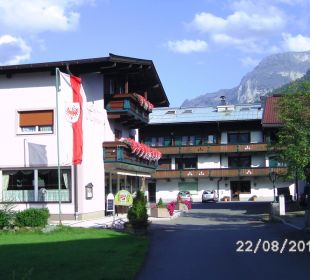 Außenansicht beide Gebäude Hotel Heigenhauser