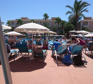 Liegen am Pool Playa Garden Selection Hotel & Spa