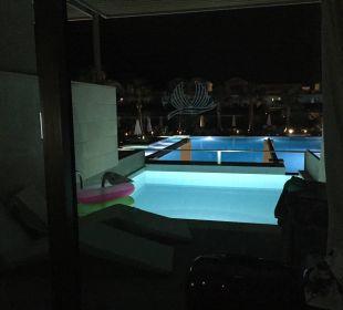 Abendbeleuchtung Hotel Resort & Spa Avra Imperial Beach
