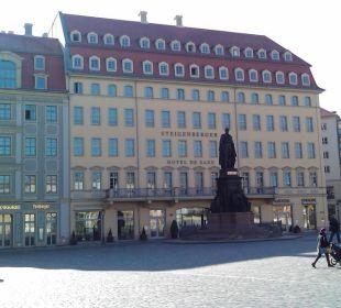 Der Bereich vor dem Hotel ist Fußgängerzone Steigenberger Hotel de Saxe