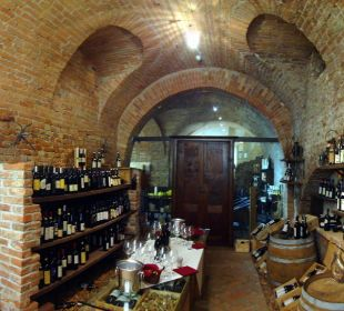 Weinkeller (unbedingt degustieren) Sunstar Boutique Hotel Castello di Villa