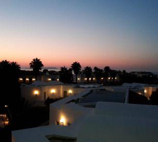 Blick vom Balkon am Abend  AKS Annabelle Beach Resort