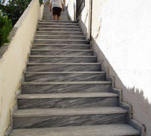 Noch 35 Stufen zur ersten Etage Annex 505 Hotel Corfu Pelagos