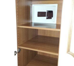 Safe im Schrank funktioniert mit Zimmerkarte Hotel Schwarzenstein