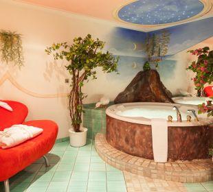 "Badezimmer ""Turmsuite"" mit Whirlpool Hotel Bergkristall"