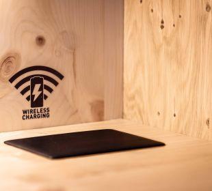 Wireless Charging in Panoramazimmern Hotel Schönruh