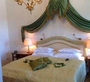 Komfortables Bett  Hotel Schloss Mönchstein