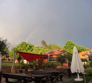 Blick auf Eiscafe Gasthof Brauner Hirsch Sophienhof