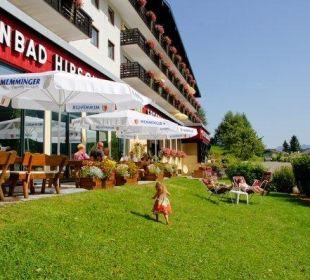 Liegewiese mit Terrasse Sporthotel Walliser