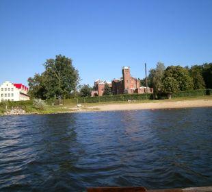 Schloß vom Ruderboot fotografiert Hotel Zamek Karnity
