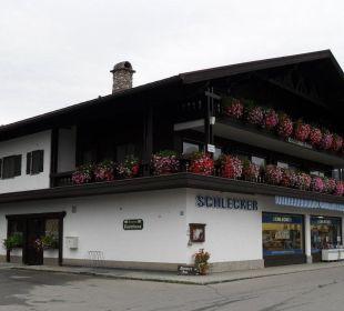 Ansicht von der Straße Gästehaus Flora