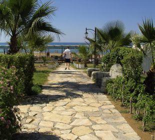 Weg zum Strand Side Sun Bella Resort & Spa