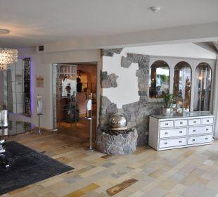 Eingang zum Restaurant Leading Family Hotel & Resort Alpenrose