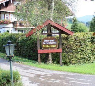 Blick von der Strasse  Hotel Mühlenhof