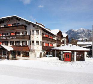 Außenansicht Winter Hotel Zugspitze