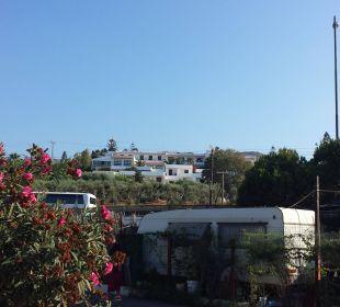 Hotel vom Strand/Parkplatz gesehen Hotel King Minos Palace