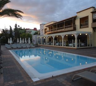Pool vor dem Restaurant Lopesan Villa del Conde Resort & Spa