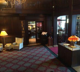 Eingang Restaurant Leander Steigenberger Hotel Thüringer Hof