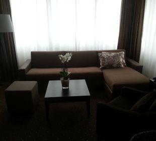 Junior Suite 1832 - Sofa im Wohnzimmer Westin Grand München