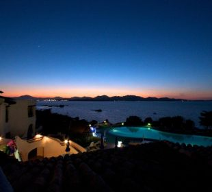 Sonnenuntergang CalaCuncheddi Resort & Marina