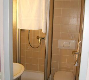 Winziges Bad nicht 4 Sterne würdig! Hotel Jodquellenhof Alpamare (Hotelbetrieb eingestellt)