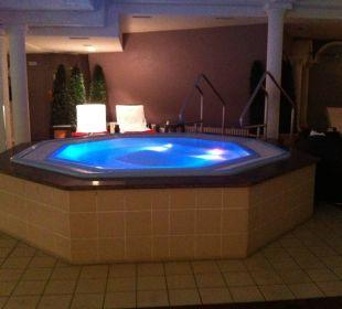 Innenbereich Whirlpool Romantischer Winkel SPA & Wellness Resort