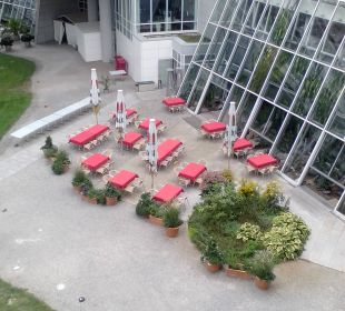 Blick vom Balkon auf Restaurant Kongresshotel Potsdam am Templiner See