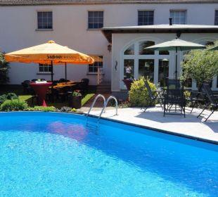 Pool mit Freisitz Hotel-Pension Keller