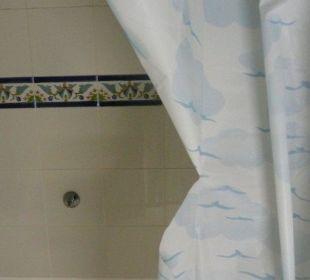 Rideau de la douche déchiré  Hotel Club Acquaviva