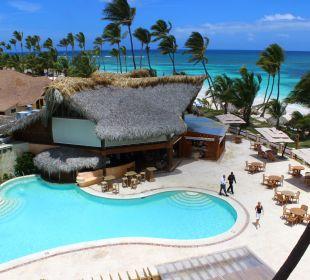 Blick auf den Pool v.d.Dachterrasse VIK Hotel Cayena Beach Club