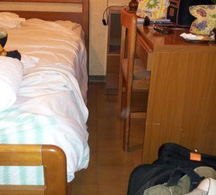 Doppelbett mit Büro Hotel Bellavista