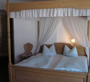 Himmelbettzimmer Hotel Alpenhof Jäger