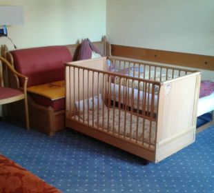 Kinderbett und Gitterbett Familienhotel Filzmooserhof