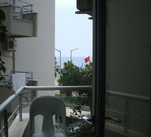Größe Balkon mit seitl. Meerblick Hotel Kleopatra Celine