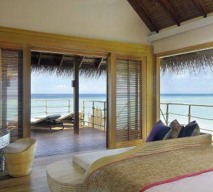 Senior Water Villa03 Hotel Constance Moofushi Resort