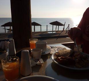 Blick von der Frühstücksterrasse Hotel Corissia Beach