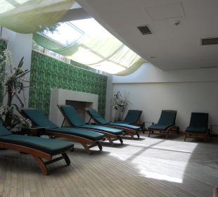 Relaxliegen im Wellnessbereich Hotel Oleander