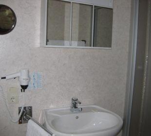 Badezimmer mit Dusche Hotel Bockelmann