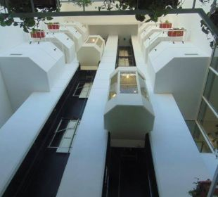 "Fahrstühle mit ""Rundumblick"" Hotel Hilton Hurghada Plaza"