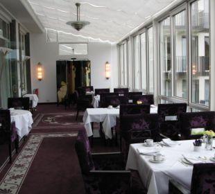 Frühstücksbereich m. Blick i. d. Anlage Dorint Park Hotel Bremen
