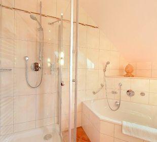 Badezimmer Suite 301 Hotel Kriemhild am Hirschgarten