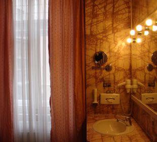 Badezimmeransicht ohne Whirlpool Hotel zum Dom