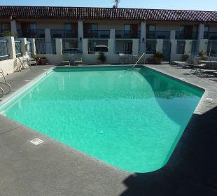 Pool Best Western Hotel A Wayfarer's Inn