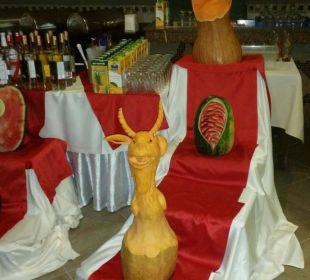 Deko an der Poolbar Adalya Art Side/Artside