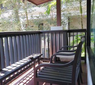 Balkon mit Sitzgelegenheit La Flora Resort & Spa