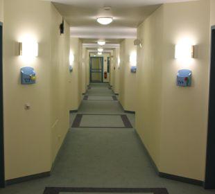 Flur mit Zimmerabgang Casa Familia
