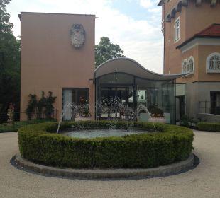 Eingang Hotel Schloss Mönchstein